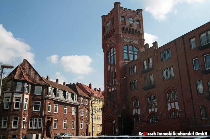 Uhrturm Döhrener Wolle - Die Döhrener Wollwäscherei und -kämmerei, auch Döhrener Wolle oder Wollwäscherei und –kämmerei (W W & K) genannt, in Hannover war die erste deutsche Fabrikationsstätte zur mechanischen Reinigung von Wolle. Die Historie ist eine Entdeckungsreise wert.