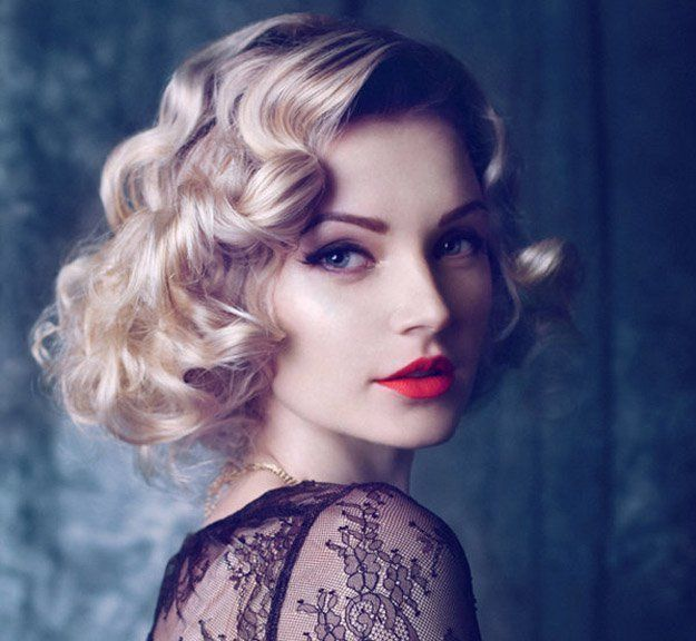 Coupe cheveux long : Classic Vintage | 24 Perfect Prom Hairstyles | Makeup Tutorials Guide