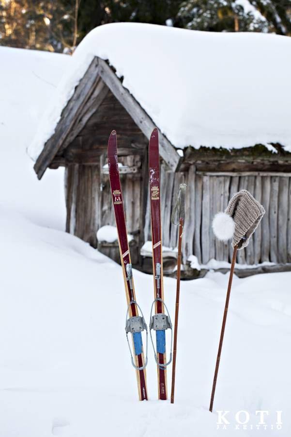 Onko tonttu jättänyt sukset hankeen? Koti ja keittiö, Tea Honkasalo, kuva Kirsi-Marja Savola.