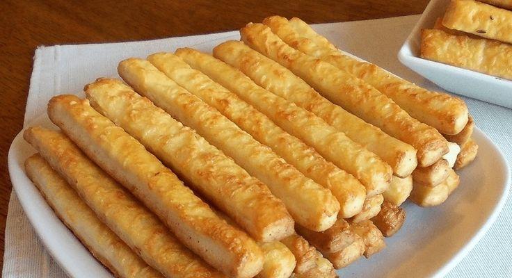 Vynikající pochoutka na domácí mlsání. Připravte si lahodné tyčinky z voňavého tvarohového těsta. Potřebujeme: 250 g tučného měkkého tvarohu 250 g změklého másla 250 g hladké mouky Volitelné na posypání: hrubozrnná sůl Celý kmín sezamová semínka sýr postup přípravy najdete na druhé stránce..