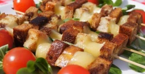 Шашлык из сыра с хлебом