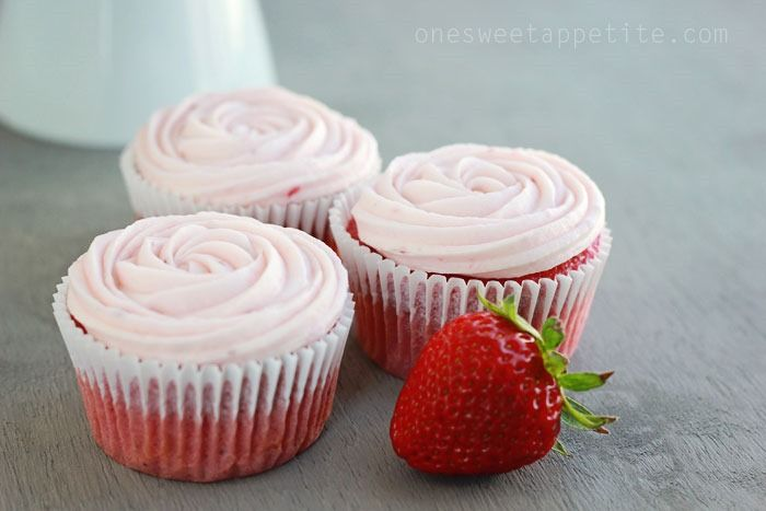 Cake Doctor Icing Recipes: Strawberry Cupcakes (Doctored Cake Mix)
