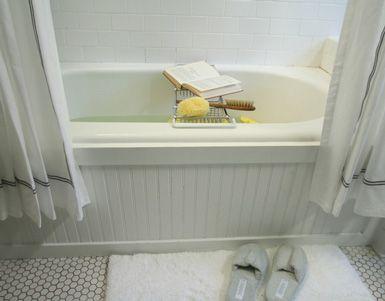 Add beadboard to standard bathtub. //love tub tray + staging