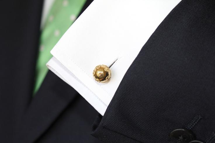 """EXCEPTIO """"contas de Viana"""" cufflinks. 19.2ct yellow gold"""