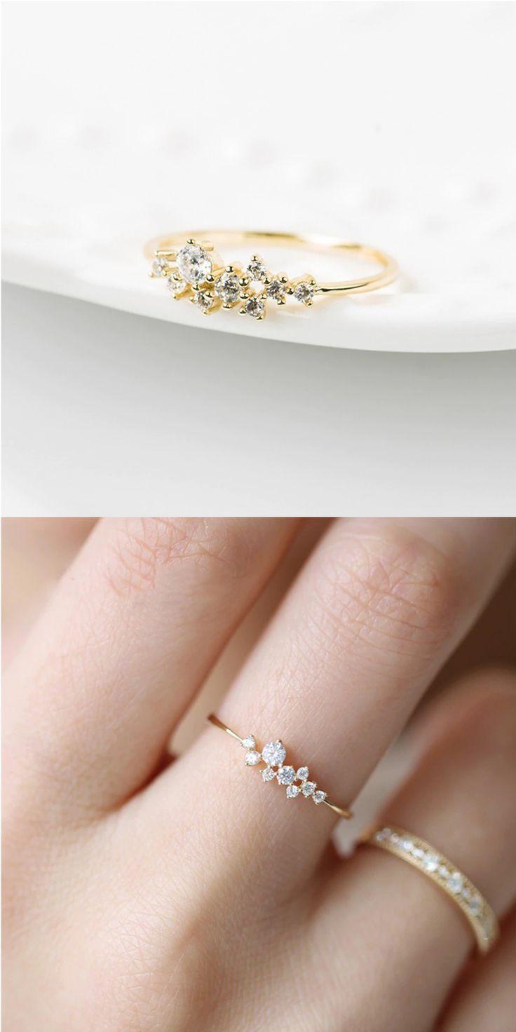 Unser kleiner, aber auffälliger Ring ist nicht nur einfach, sondern auch ……   – Hochzeitsschmuck und -Accessoires