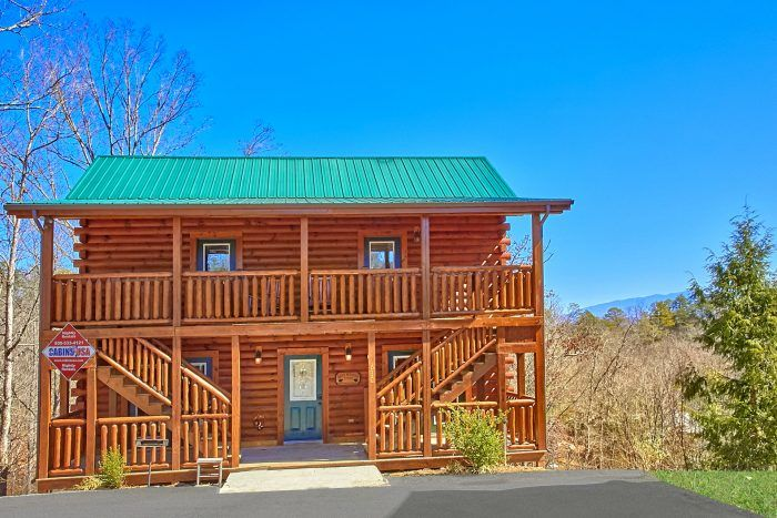 Smoky Mountain Lodge 7 bed 7 bath ~$550/night in May