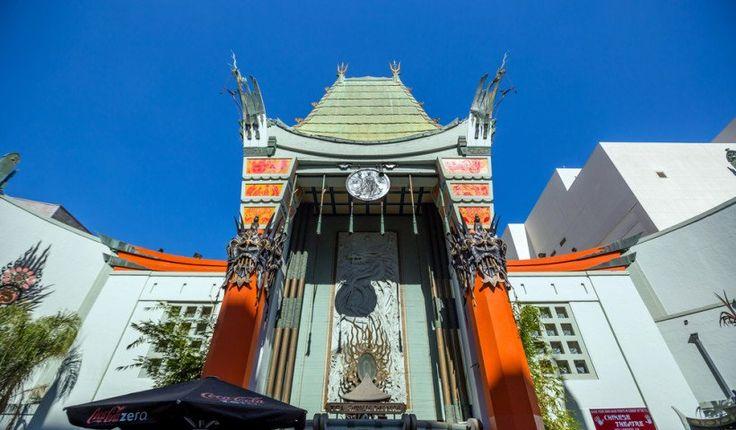 El Teatro Chino TCL, o más conocido como el Teatro Chino Grauman, es un cine situado en Hollywood Boulevard. En 1973 se le cambió el nombre a Teatro Chino de Mann hasta que en 2013, la compañía TCL Corporation compró sus derechos y lo otorgó en nombre con el que hoy lo conocemos. Fue inaugurado en 1927 con el estreno de The King of Kings y, desde entonces, ha sido la sede de numerosos eventos, fiestas de cumpleaños, reuniones empresariales y tres ceremonias de los premios de la Academia. En…
