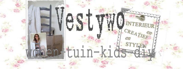 Vestywo   herfstdecoratie met parels! Hoi, mijn naam is Verie, 20+ en heel creatief. Het laatste wil ik met jullie delen doormiddel van 'tips & tricks' op woon-, tuin-, kids- en DIY-gebied. Ik hoop dat ik jullie mag inspireren. Vandaag laat ik jullie zien hoe je heel gemakkelijk een leuke herfstdecoratie voor in je kamer kunt maken…