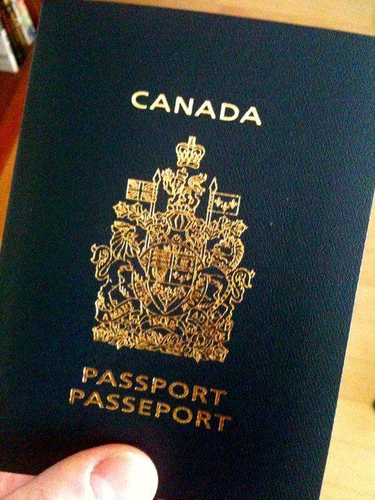 Depuis le 13 février, Service Canada à St-Jean-sur-Richelieu offre la possibilité de commander ou renouveler son passeport. Le service est offert selon la formule avec agent réceptionnaire. Ainsi, toute personne peut présenter sa demande en personne au 320, boulevard du Séminaire Nord, suite 106. Une fois les documents reçus par l'agent réceptionnaire, le requérant reçoit
