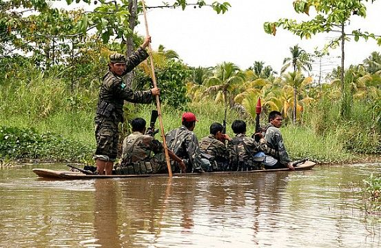 Violence in the Philippines Feared After Peace Deal Setback Congress fails to approve the Bangsamoro Basic Law threatening to undermine a peace deal to end a decades-long insurgency.