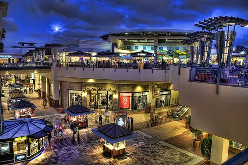 Love shopping at Fashion Valley Mall!     Live, love , laugh http://miadavies.com