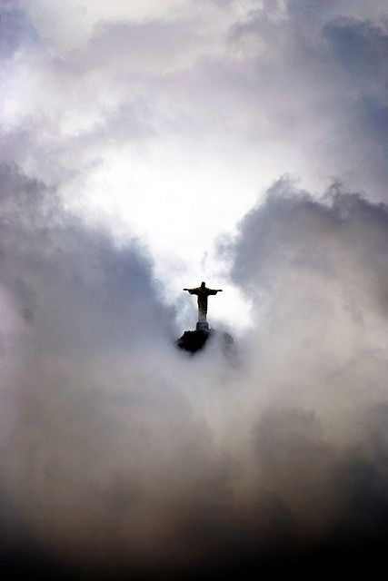 Rio de Janerio - images like this make me think religion can be inspiring... hopefully people will live up to it.
