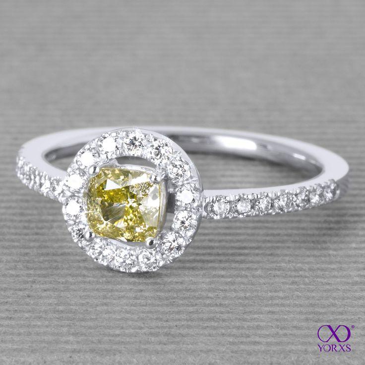 "The ""Akzenta"" halo-ring has a 0.71 ct yellow cushion diamond in the center! Recetly sold. #akzenta #diamantring #konfigurieren #diamant #cushion #brillant #farbigerdiamant #gelb #yorxs"