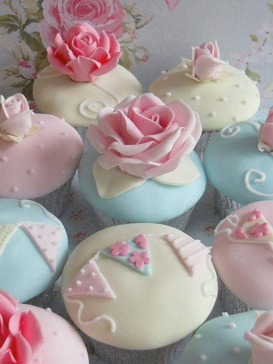 Rose Garden ~ Cath Kidston Inspired Cupcakes - Cupcake Daily Blog - Best Cupcake Recipes .. one happy bite at a time!
