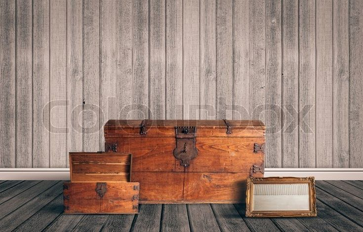 Stock image of 'Attic with chest and mirror'