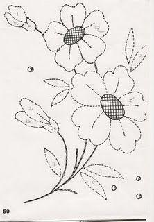 Simples ou charmosa, a flor é uma excelente opção para compor uma peça.
