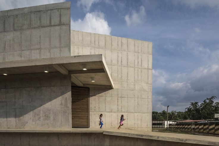 House of Memory and Community Space / Taller Sintesis + Angélica Gaviria