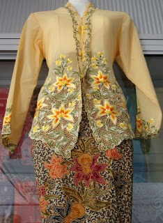 Colours to match your skin tone ~ Little Nyonya Kebaya Shop
