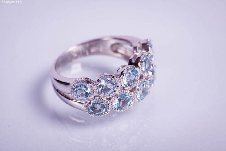 De Ziua Îndrăgostiţilor ofera o nota de feminitate stilului tau! KoloK.ro este un magazin online de bijuterii din pietre preţioase /semipreţioase, perle, scoici combinate cu argint, confectionate in totalitate numai din materiale naturale – peste 1600 de produse. Comandati prin MyCashBack.ro de la KoloK.ro si aveti 8% cashback.