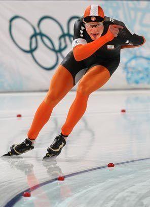 Sven Kramer ~ Gold Medals at 2014 Sochi Olympics (5,000m & Team Pursuit) and at 2010 Vancouver Olympics (5,000m) #Skating #SvenKramer #Netherlands