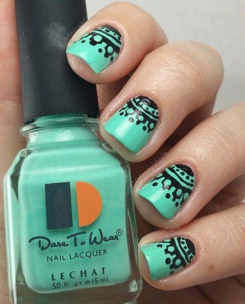 Elegant lace manicure