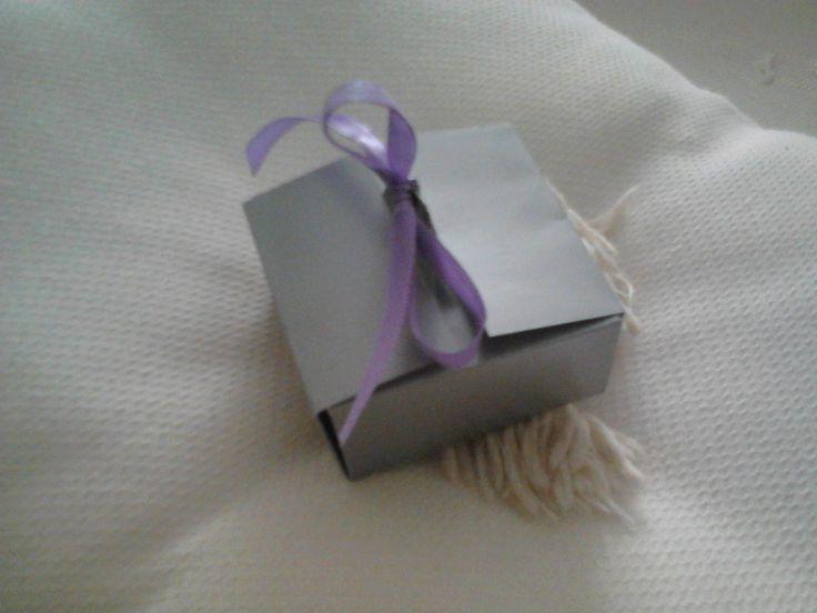 Convite Prateado com laço no topo Invitation box with silver bow on top