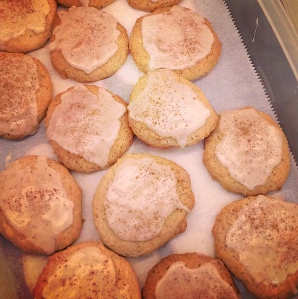 Taylor Swift's Chai Eggnog Sugar Cookies - Taylor Swift Puts a Spin on the Basic Sugar Cookie - Country Living