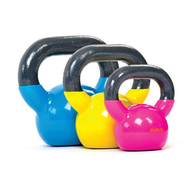 KETTLEBELL REEBOK Pesas recubiertas en PU.   Acabado liso y no resbaladizo. Fortalecen la musculatura, el sistema cardiovascular y ayudan a mejorar la coordinación. Ayuda a quemar calorias.  Pesos disponibles: 2.5kgs (Magenta) $14.990.- 5Kgs (Amarillo) $25.990.- 7Kgs (Cyan) $38.990.- PRODUCTO A PEDIDO. contacto@deporteactivo.cl