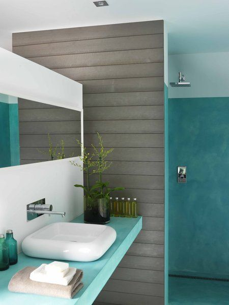 Si vous souhaitez jouer avec les couleurs, Panneaux et lambris de France a créé la collection Diabolo, qui réunit des nuances naturelles et des nuances vivifiantes. La salle de bains s'auréole de deux teintes, dans un esprit contrasté.