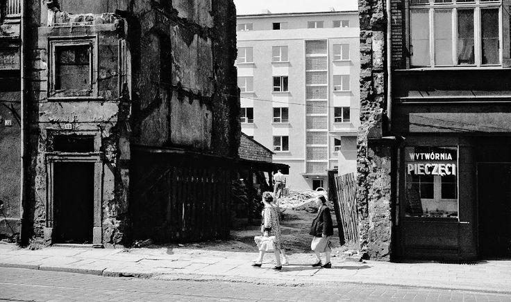Zdjęcie numer 1 w galerii - Wrocław lat 60. XX wieku na fotografiach Tomasza Olszewskiego