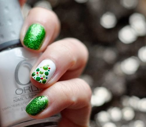 Like the Christmas tree nail!: