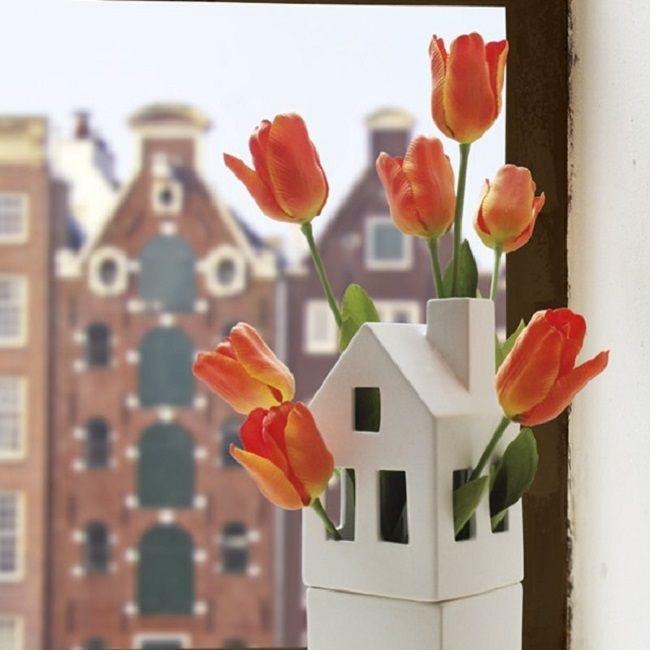 Wazon kwiatowy domek