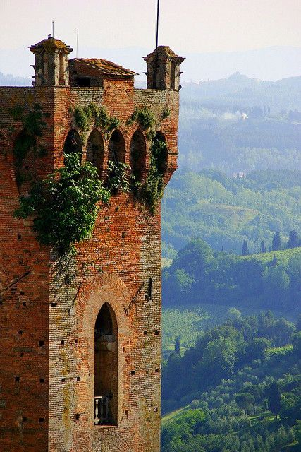 From the top of the world (almost, well, not really but it's a fascinating landscape anyway, yes it is): have a great week everybody!!! San Miniato, Tuscany, Italy                                                                                                                                                     Mais