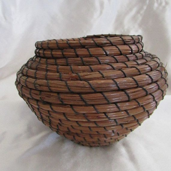 Pine Needle Basket Vase Shape by KandApineneedlebskt on Etsy