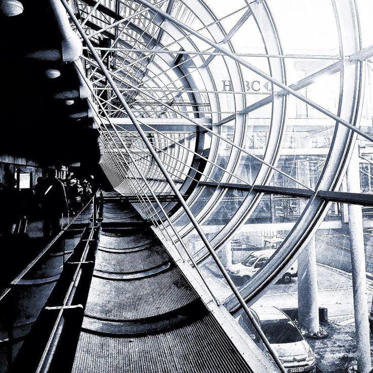 Vedi la foto di Instagram di @maurizioruben • Piace a 1 persona  - Paris airport