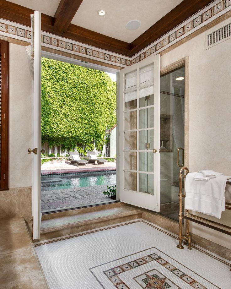 Jodie Foster's pool bathroom
