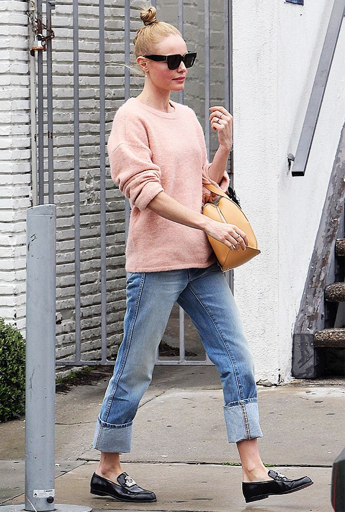 Kate Bosworth just pulled off the 2017 version of boyfriend jeans. See how she did it here.