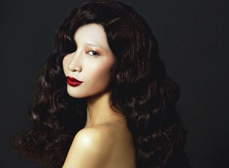 2! Magazine:   Foto: Andy Bui Model: Trang Pham Make up: Tu Ta Hair: Gill Nguyen Stylish: Ngan Ngo - Phuong Bui.