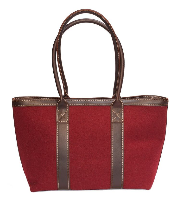 Tote rood - Net als de andere tassen met de hand gemaakt in een zadelmakersatelier, waar ze wel raad weten met leer en vooral het stikken en in elkaar zetten van deze mooie dikke kwaliteit leer die Burra Burra gebruikt.