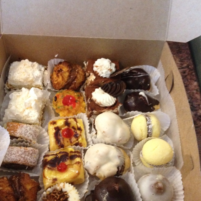 Masitas (typical Argentinien's sweets) - Maybe we can share them during the break in El Pasaje Spanish School ;) - www.elpasajespanish.com