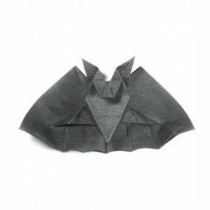 超酷的万圣节手工折纸蝙蝠制作教程
