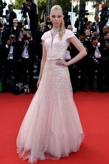 68-й Каннский Кинофестиваль Red Carpet Платья Знаменитостей Таня Dziahileva Розовые Блестки Аппликации Длинное Вечернее Платье