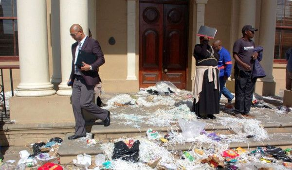 Nelson Mandela Bay Municipality workers strike – rubbish piling up