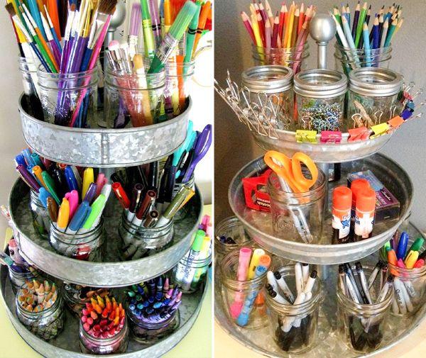 Fruteiras, caixas antigas, potes de cozinha e sapateiras de plástico são boas ideias para arrumar o kit desenho das crianças