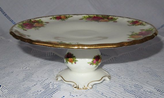 Hey, I found this really awesome Etsy listing at https://www.etsy.com/au/listing/263382682/royal-albert-old-country-roses-cake