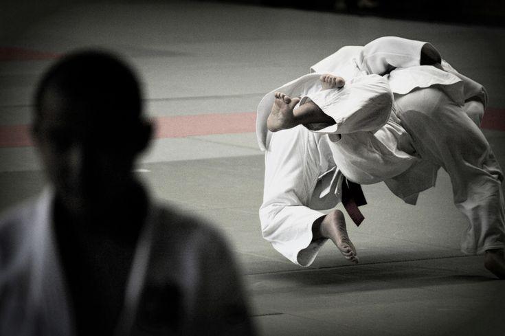 #Judo Taken with relatively #inexpensive set!  Camera body: #NIKON #D700 http://kakaku.com/item/00490711133/  Lense: SP #70-300mm F/4-5.6 Di VC USD (Model #A005) http://kakaku.com/item/K0000137844/