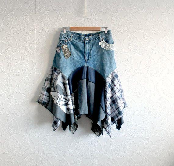 Frauen, sowie Größe, Upcycled, Denim und Schottenkaro, Boho chic, Jeans-Rock in plus Größe 2 X (18). Ein-Of-A-Kind, umweltfreundliche, handgemachte Kleidung für Frauen Plus Size Frauen und Kinder. GABBY Skirt Diesein einen freundlichen Rock besteht aus recycelten Jeans und eine Mischung aus Spaß Stoffe in einem Schichten-Look-Design. Damen Plus Größe 2 X (18) Taille: 41 Zoll (104 cm) Länge: 22,5 bis 31 Zoll (81 cm) Hüfte: passt bis zu 46 Zoll (116 cm) Waschen: Maschinenwäsche an warmen…