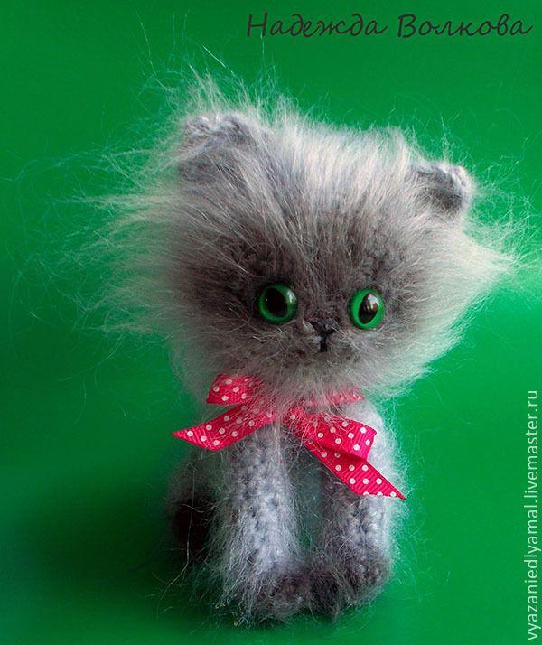 Купить Игрушка котенок Боня вязаный крючком - серый, котенок вязаный, котик крючком