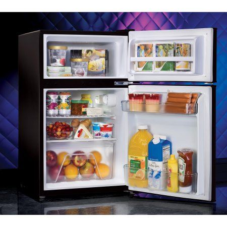 Nostalgia Electrics Retro Series 3.1 Cubic Foot Compact Refrigerator Freezer,  Black RRF325HNBLK Part 85