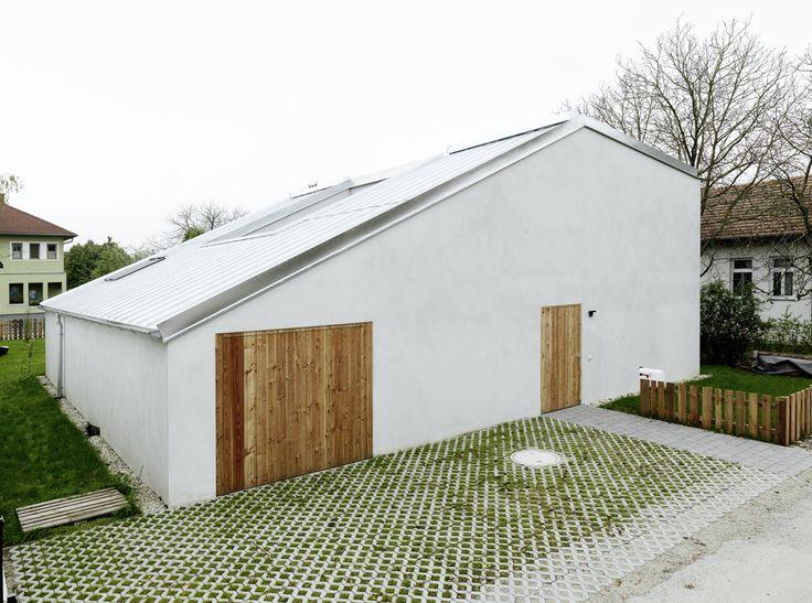 Low Budget Brick House / Triendl Und Fessler Architekten